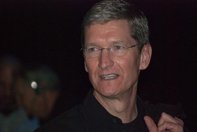 Apple, FBIren kontra 13